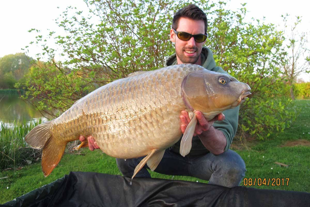 Bury Angling Club: Day Ticket Carp / Coarse Fishing Lakes